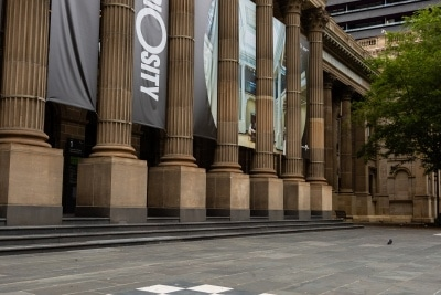 Melbourne, Australia, 12 April, 2020. One of the most popular meeting places in the CBD, The State Library is closed, and its steps empty during the  COVID-19 Crisis in Melbourne, Phillip Island Circuit, Australia. Credit: Dave Hewison/Alamy Live News