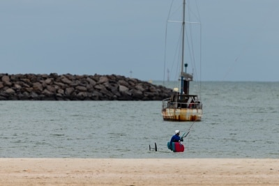 Melbourne, Australia, 12 April, 2020. Despite the beaches being closed and strict restrictions in place, many still flout the rules during the  COVID-19 Crisis in Melbourne, Phillip Island Circuit, Australia. Credit: Dave Hewison/Alamy Live News