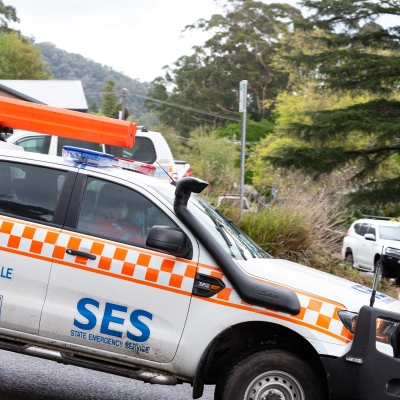 MELBOURNE, VIC - SEPTEMBER 23: An SES crew joins the search as Police and SES continue to search for missing 14 year old autistic boy, William Wall after he went missing two days ago in dense bushland on September 23, 2020 in Melbourne, Australia. A massive search in the Yarra Ranges is underway for missing autistic teen who spent the night lost in the bush. Multiple Crews, including police, the Airwing and SES searched for William as temperatures dropped to 7C overnight. Rain is predicted Wednesday and will impact the search efforts. (Photo by Speed Media/Icon Sportswire)