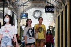 Girls are seen in one of Melbournes many malls which have now reopened during Black Friday sales in the CBD.  As temperatures soured in Melbourne, locals flock to the city for Christmas bargains. Victoria saw its 29th day of no cases today but despite this the government show no signs of further lifting of restrictions.