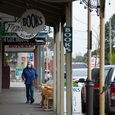 A view of the main street of Kilmore as concerns over an outbreak leave the town empty during COVID-19 in Kilmore, Australia. An outbreak which started in Chadstone in Melbourne, has spread as far as Benalla. Twenty-eight people linked to the outbreak have now tested positive for COVID-19. There are now two confirmed cases in Kilmore linked with a Melbourne Resident who carried the virus into the town. The person visited the Odd Fellows Cafe in Kilmore which lead to him spreading the virus to a staff member, and a customer. The cafe has been closed for deep cleaning and will remain closed until the 19th October.