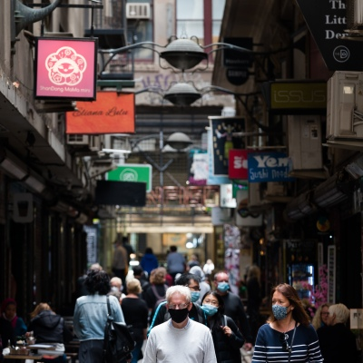 People flock back to Degraves Street in the CBD during the COVID-19 in Melbourne. With over a week of zero cases in Victoria, Premier Daniel Andrews is expected to make major announcements on Sunday about further easing of restrictions.