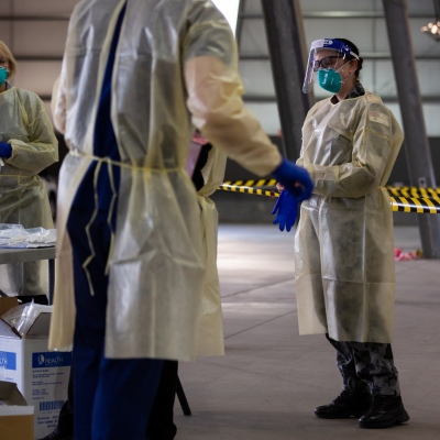 MELBOURNE, AUSTRALIA - June 27: An Australian Airforce Doctor is seen wearing full Personal Protective Equipment as the military is called in to assist at testing sites during COVID 19 on 27 June, 2020 in Melbourne, Australia. Amid a worrying increase of Coronavirus test positive cases in Victoria which is sparking fears of a second wave the State Premier, Daniel Andrews announced last week that a targeted testing blitz would be launched yesterday (26 June) across ten targeted suburbs to zero in on community transmission. For the next fortnight, 10,000 tests will be conducted across Keilor Downs, Broadmeadows, Maidstone, Albanvale, Sunshine West, Hallam, Brunswick West, Fawkner, Reservoir and Pakenham, with Keilor Downs and Broadmeadows identified as the top two and focus of the next three days of testing. An additional 41 new test positive cases have been uncovered overnight. (Photo by Speed Media/Icon Sportswire)