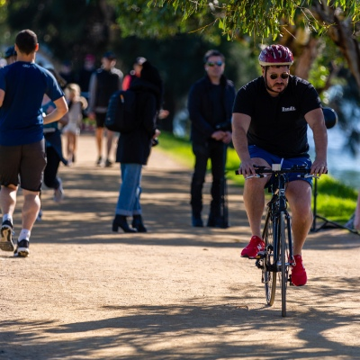 MELBOURNE, AUSTRALIA - MAY 16: On the first weekend of partial freedom, Joggers and cyclists made the most of Melbourne's sunny Autumn weather at Albert Pack Lake as restrictions are being eased in Victoria during COVID 19 on 16 May, 2020 in Melbourne, Australia. (Photo by Speed Media/Icon Sportswire)