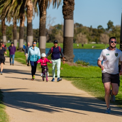 MELBOURNE, AUSTRALIA - MAY 16: On the first weekend of partial freedom, Joggers made the most of Melbourne's sunny Autumn weather at Albert Pack Lake as restrictions are being eased in Victoria during COVID 19 on 16 May, 2020 in Melbourne, Australia. (Photo by Speed Media/Icon Sportswire)