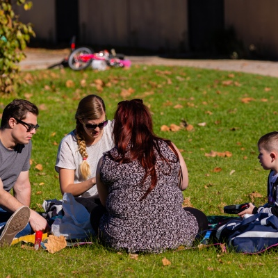 MELBOURNE, AUSTRALIA - MAY 16: Families enjoy the sun and the outdoors as people flock to Albert Park Lake on Melbourne's first weekend of freedom as restrictions are being eased in Victoria during COVID 19 on 16 May, 2020 in Melbourne, Australia. (Photo by Speed Media/Icon Sportswire)
