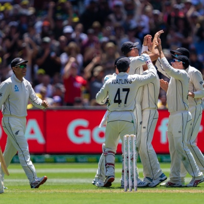 MELBOURNE, AUSTRALIA - DECEMBER 26: New Zealand celebrates getting David Warner out during day one of the Second Test match in the series between Australia and New Zealand at The Melbourne Cricket Ground on December 26, 2019 in Melbourne, Australia. (Photo by Speed Media/Icon Sportswire)
