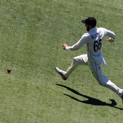 MELBOURNE, AUSTRALIA - DECEMBER 26: Tom Blundell fields the ball during day one of the Second Test match in the series between Australia and New Zealand at The Melbourne Cricket Ground on December 26, 2019 in Melbourne, Australia. (Photo by Speed Media/Icon Sportswire)
