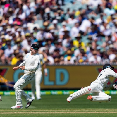 MELBOURNE, AUSTRALIA - DECEMBER 27: BJ Watling of New Zealand throws the ball during day two of the Second Test match in the series between Australia and New Zealand at The Melbourne Cricket Ground on December 27, 2019 in Melbourne, Australia. (Photo by Speed Media/Icon Sportswire)
